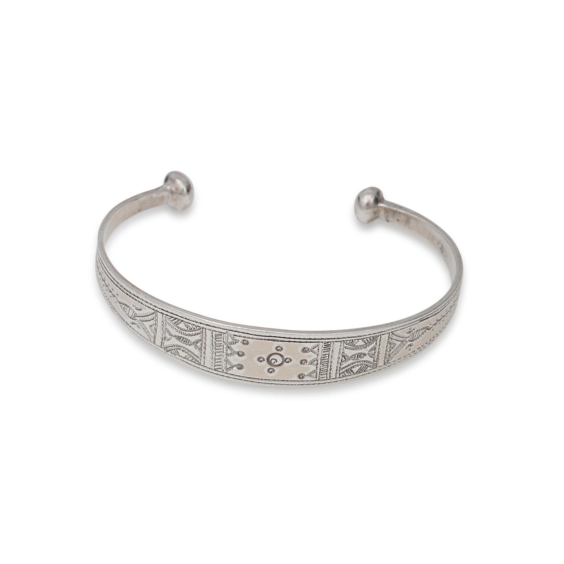Bijoux Argent Noircis : Bracelet fin en argent atta gundara