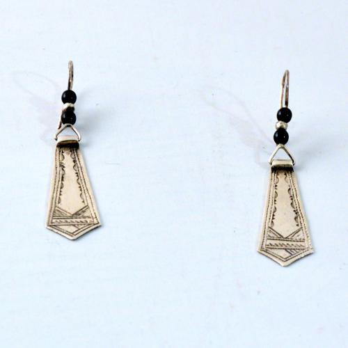 Traditional tuareg earrings from silver and onyx - handmade by Tuareg in Niger - Gundara