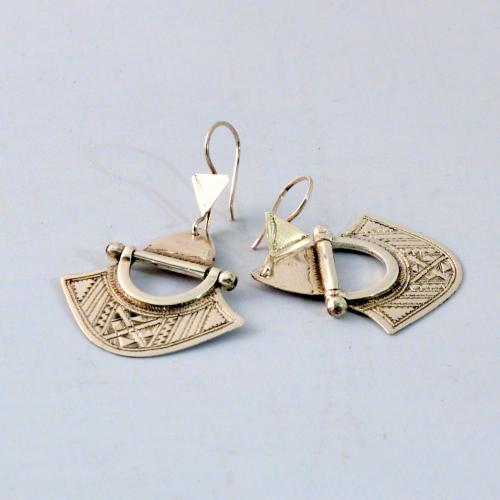 agate beads Niger  Tuareg hand engraved triangle drop earrings silver hooks