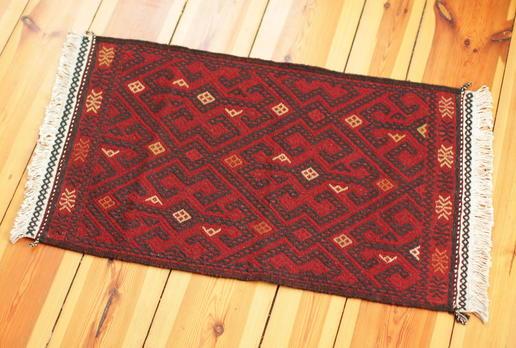 klassischer Teppich - handgeknüpft - Hauch von Seidenstraße - Wolle