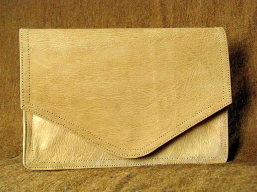 porte documents en cuir naturel par gundara