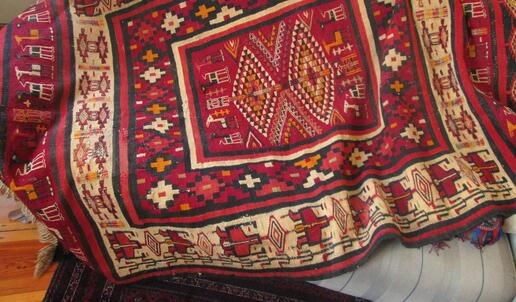 rug on the sofa - Gundara