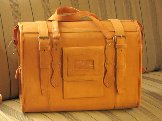 un sac de voyage en cuir