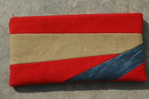 Gundara - Sharifa - small red cosmetics bag with silk stripe
