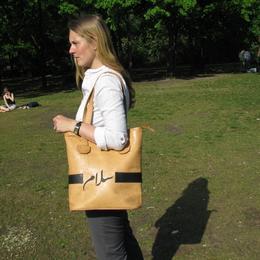 Gundara - Einkaufstasche In Frieden Shoppen - Leder-Shopping-Tasche