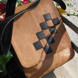 Gundara - Chess - Leather bag - shoulder bag - adjustable shoulder strap