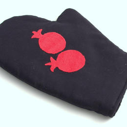 oven glove - handmade in women's cooperative - Tajikistan - embroidered - Gundara