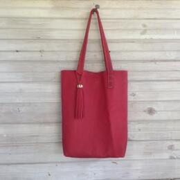 Tote in red leather