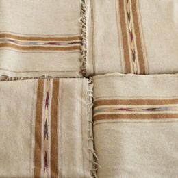 plaid en laine couleur sable fait au Pakistan