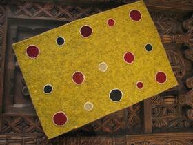 Gundara - Decoration de table à points - Feutre