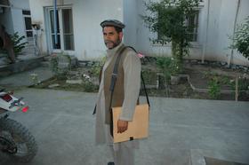 Anwarjan - Umhängetasche/ Messengertasche aus Echtleder - Fairchain - chromfrei gegerbt