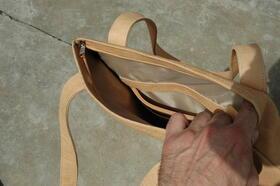 Gundara - Minnie Mouse - schlichte Leder-Handtasche aus Naturleder