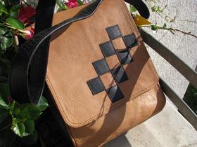 Gundara - Chess - Leather bag - shoulder bag - adjustable shoulder strap