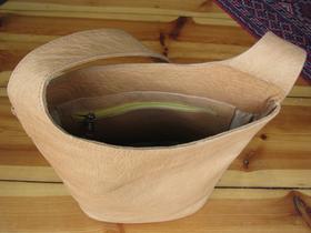 sac artisanal en cuir - intérieur - Gundara