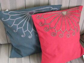 Gundara - housse de coussin brodée - Zardozi - coton rouge