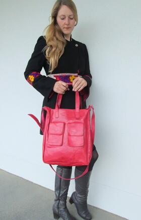 Rote Gluckliche Laura Afrika - Echtleder-Tasche in rot - fair gehandelt