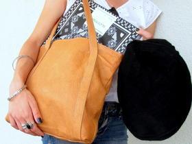 Le livre Skateistan et notre sac Missy Simpe et un pakol