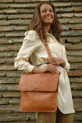 sac en cuir fait main - Gundara