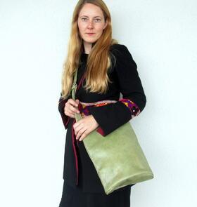 un sac sympa en cuir vert