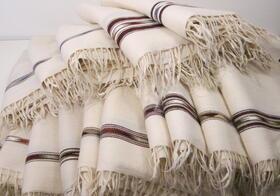 fait main, laine blanc ivoire