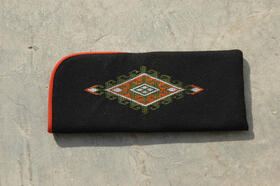 Zardozi - Ainak - case for spectacles in black - nicely embroidered